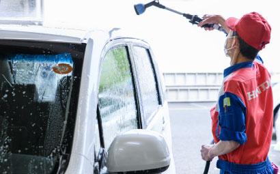 手洗い泡洗車